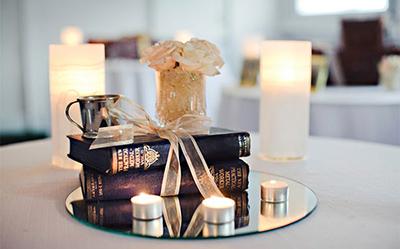 Grāmatas kāzu dekorā