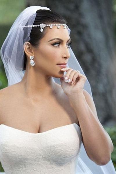 Kāzu rotājumi līgavas matiem