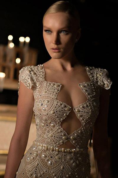 Сексуальные свадебные платья –  Платье с глубоким декольте